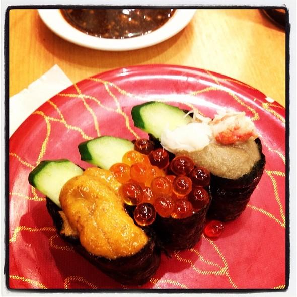 Sushi: Uni, Salmon Roe