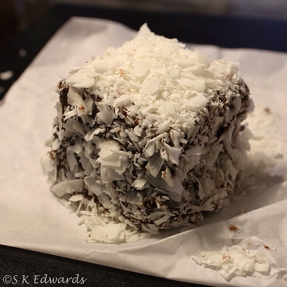 Panna cotta lamington
