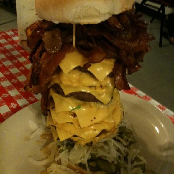 Cheeseburger @ Mel's Country Cafe