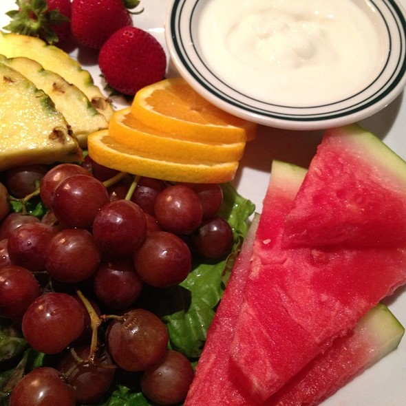 Fresh Fruit Plate - Daily Grill - Bethesda, Bethesda, MD