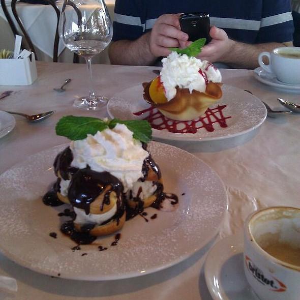 Profiteroles @ A Brasserie Max & Julie