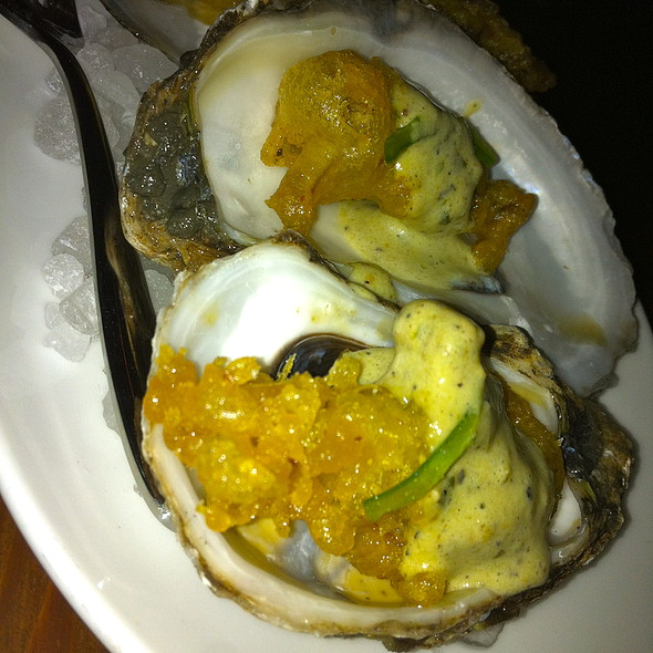 Crispy oysters with tomatilla aioli and serrano chile
