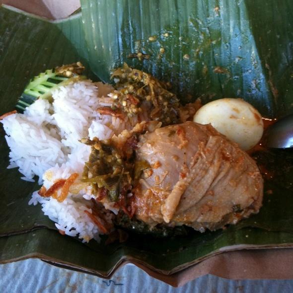 Nasi Lemak Bungkus @ Bay Leaf Restaurant