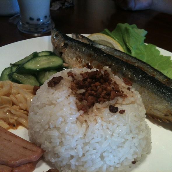 秋刀魚飯 @ Pearl House