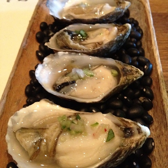 Oysters - Girl & the Goat, Chicago, IL