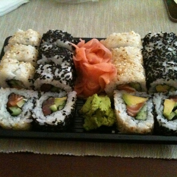 Yin Yang Sushi Set @ KUNG FOOD