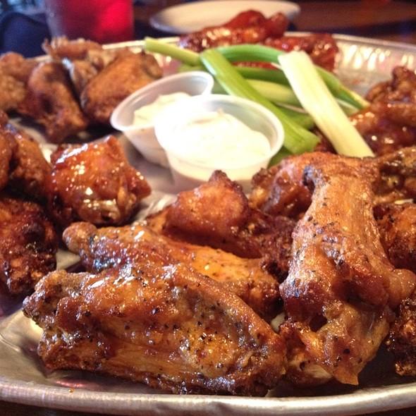 Chicken Wings @ Wild Wings Cafe