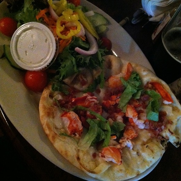 Lobster flatbread @ Gritty Mc Duff's