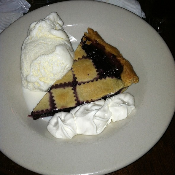 Blueberry Pie @ Gritty Mc Duff's