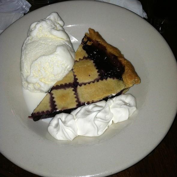 Blueberry Pie @ Gritty Mc Duff's