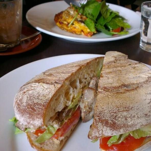 Le Monde Cafe Surry Hills Nsw