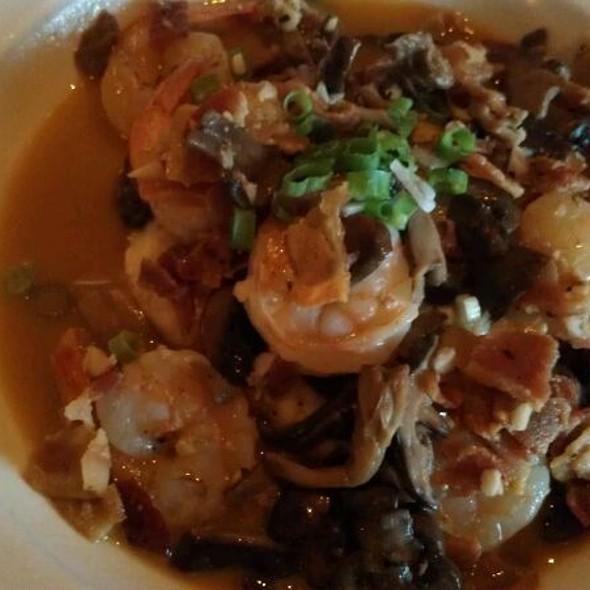 Shrimp and Grits - Red Pony Restaurant, Franklin, TN