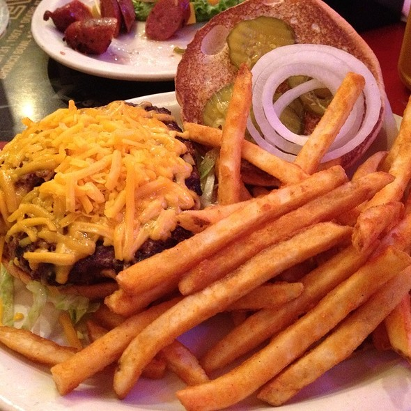 Cheese Burger @ Red Hot & Blue
