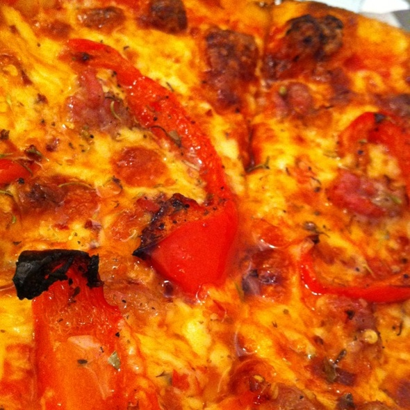 Porcina Pizza With Sweet Peppers @ Quattro 4Ragazze