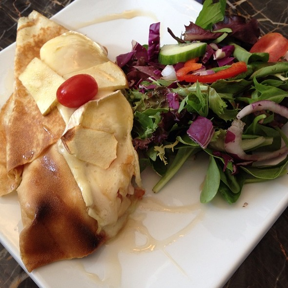 Crepe With Ham, Brie And Apple @ Boucherie Charcuterie
