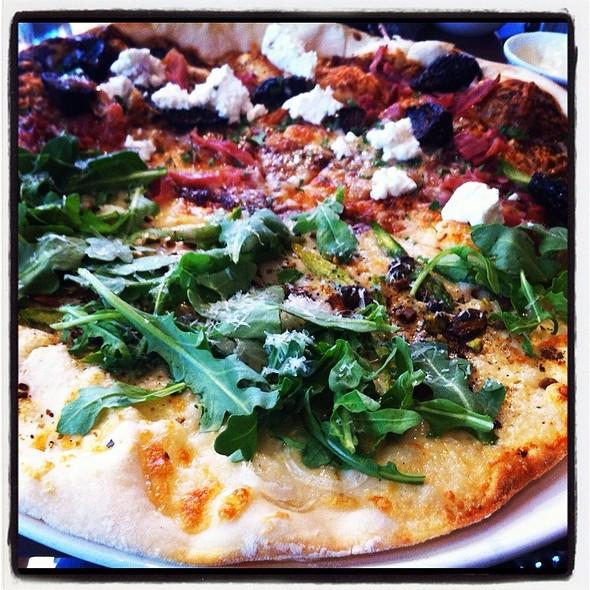 Fig Prosciutto/ Arugula Pistachio Pizza - North Italia – Austin, Austin, TX