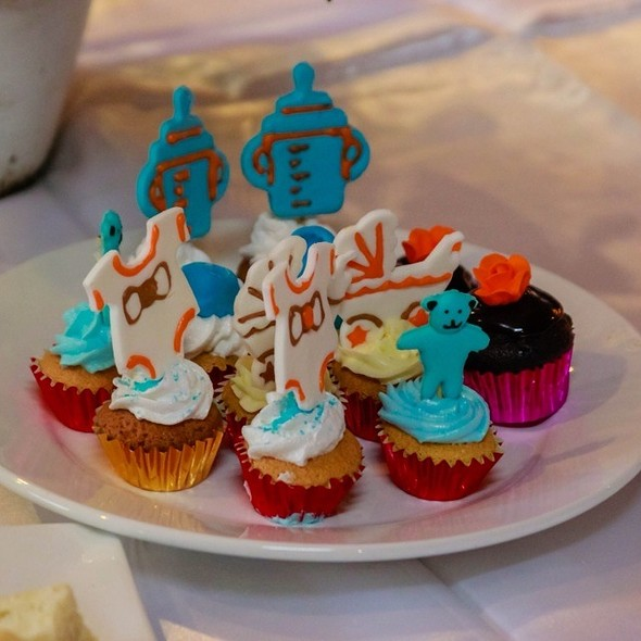 Mini cupcakes @ Queen Margarette Hotel