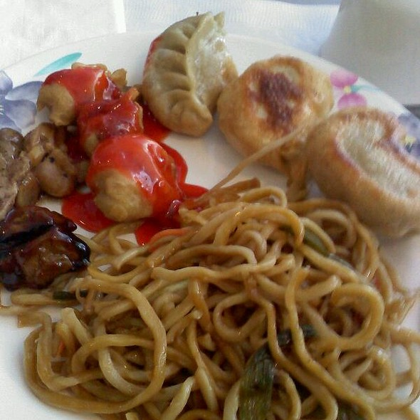 Buffet Lunch Special @ Uncle Chen Restaurant