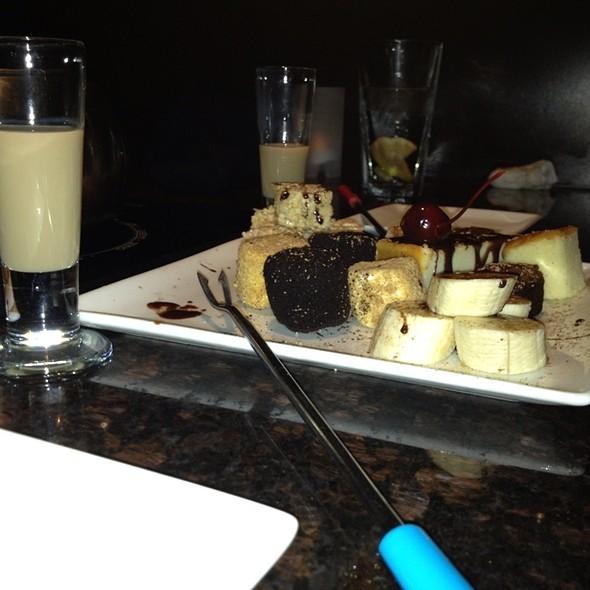 Chocolate Fondue Dessert Platter