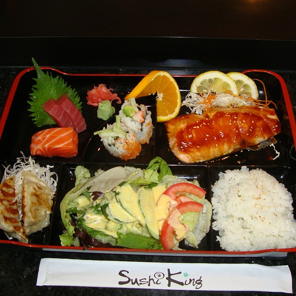 Salmon Teriyaki & Sashimi Bento Box
