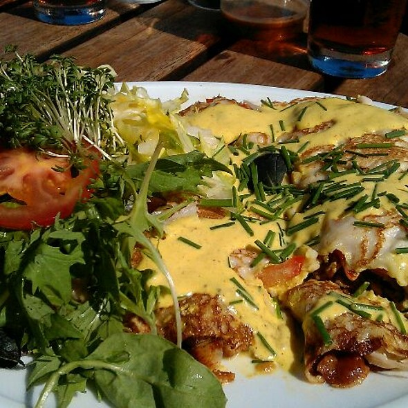 Pancakes with turkey, bacon and salat @ Cafe Jorden Rundt/Sue Brandt