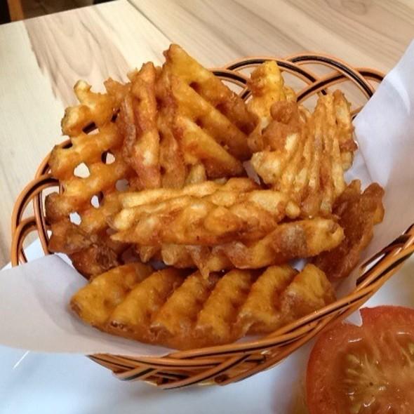 Parma Fries @ Lenas