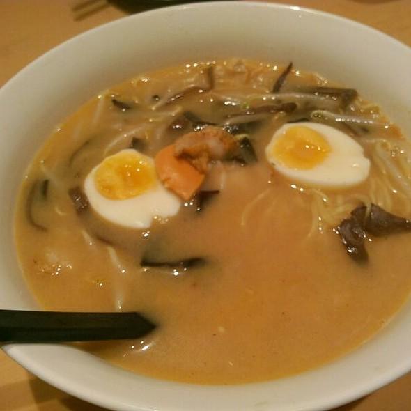 Miso Hotate Ramen @ Oh Sushi