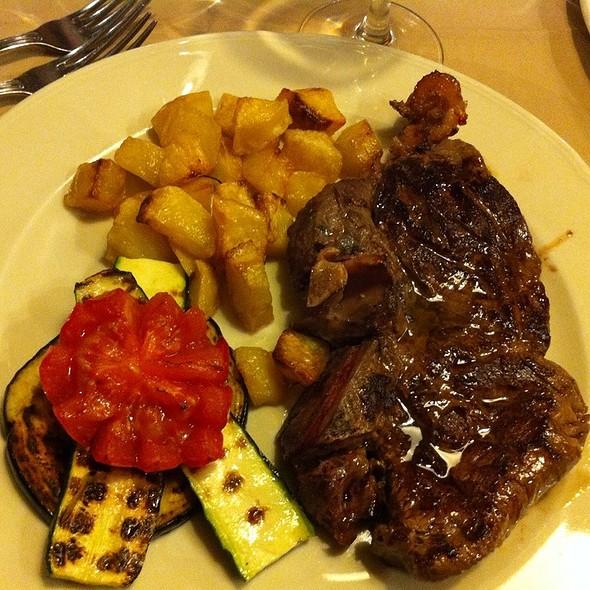 Fiorentina Con Patate Al Forno @ Taverna Rossini