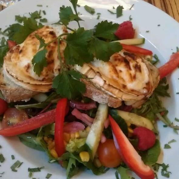 Goat Cheese Salad @ Paludan Bøger & Bogcafé