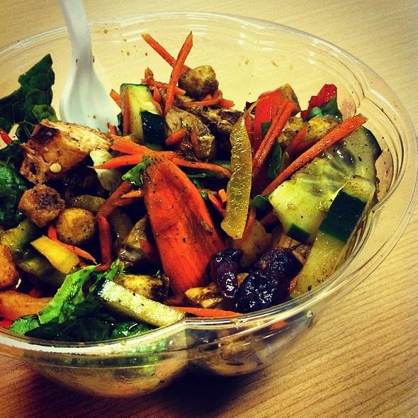 Salad @ Cafe 28