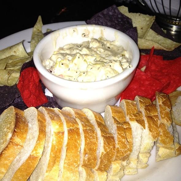 Crab And Artichoke Dip - Bourbon Blue, Philadelphia, PA