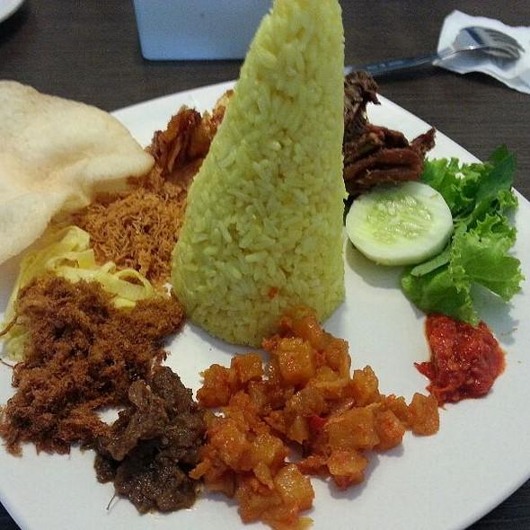Nasi Kuning Langgi Special