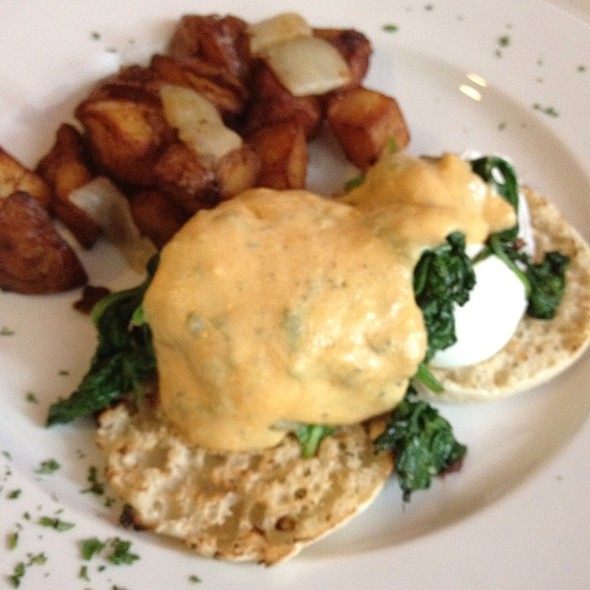 Florentine Eggs Benedict @ Sabrina's Cafe