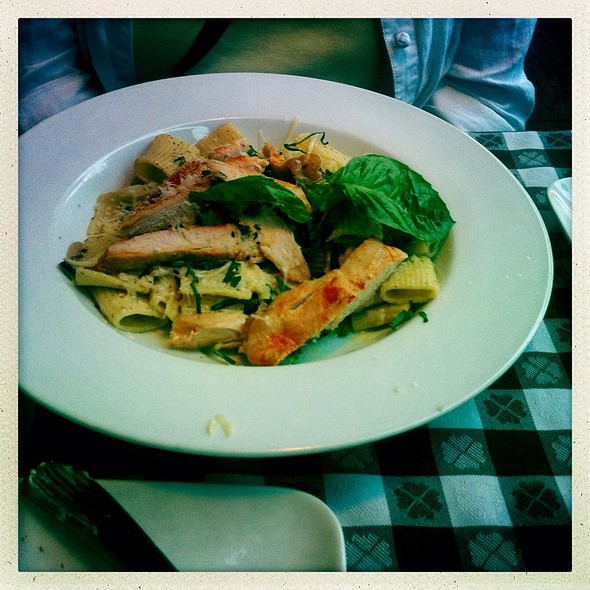 Pasta With Chicken, Garlic & Parmesan - Back When Cafe, Wausau, WI