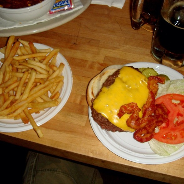 Cheeseburger with Fries and Bacon