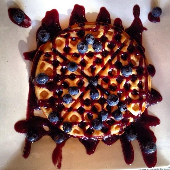 Violet Beauregarde Waffle @ Melt