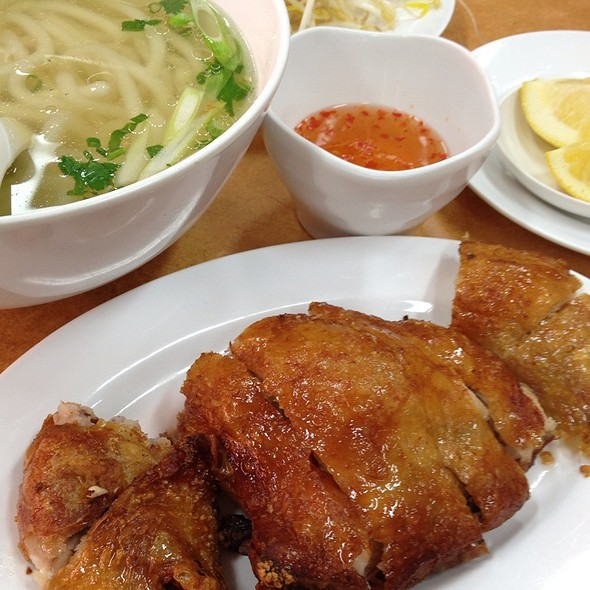 Banh Canh With Crispy Chicken