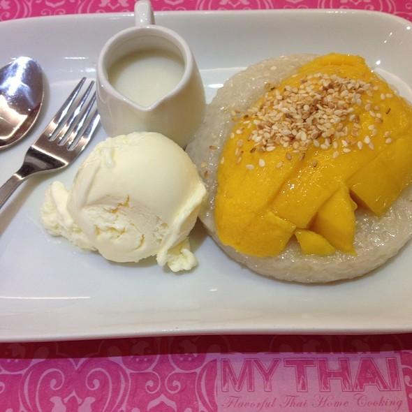 Sticky Rice With Mango @ My Thai (Alabang)