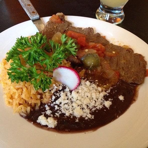 Bisteak En Salsa De Tomate @ Mezcaleria Oaxaca