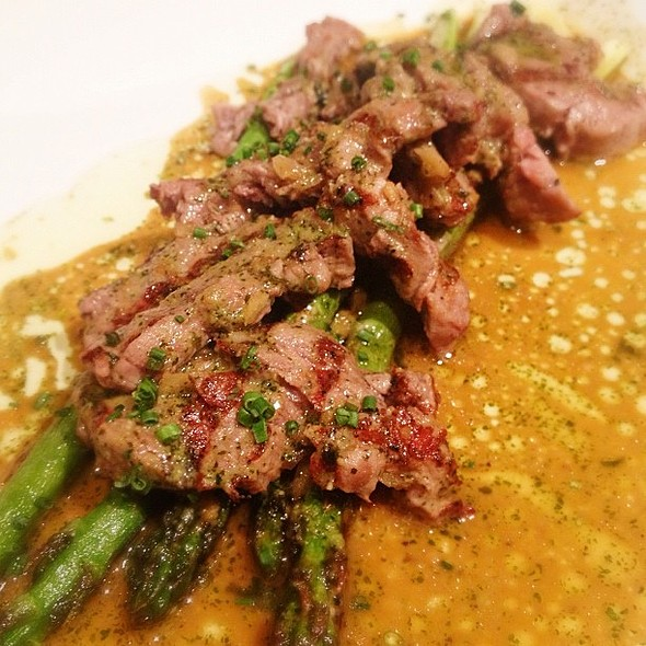 Gyuhire Grill. Grilled fillet mignon & asparagus in herb garlic butter soy sauce.