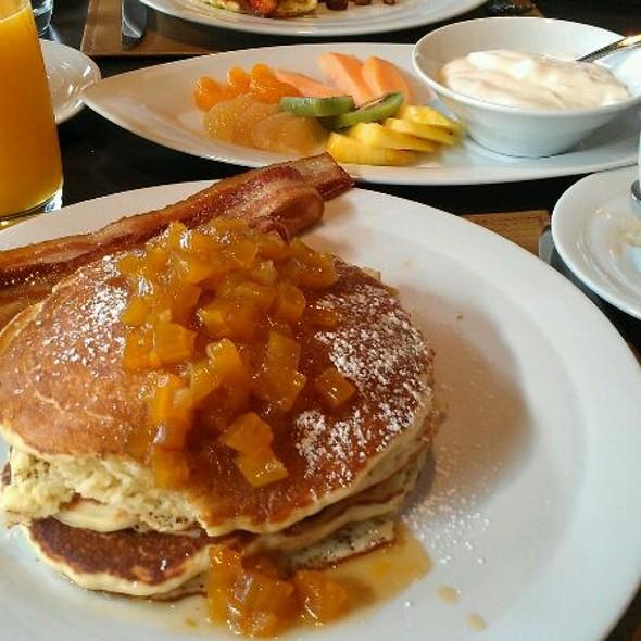 Lemon Ricotta Pancakes @ FLINT