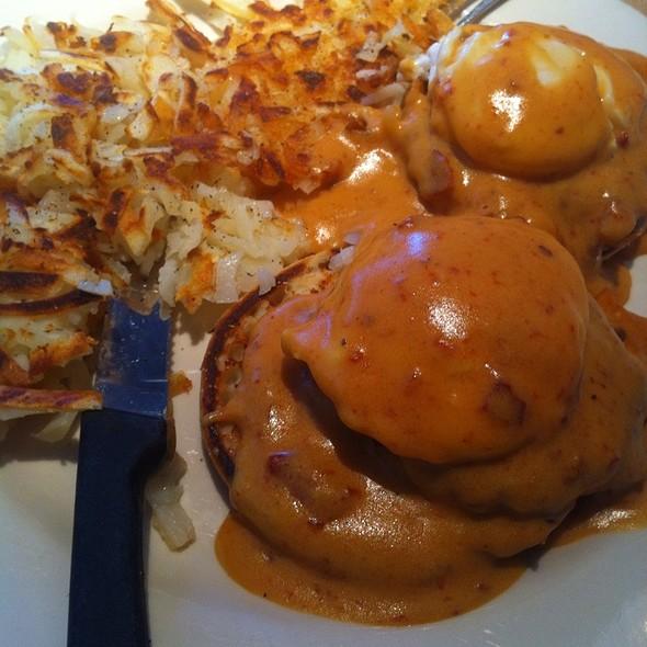 Crab Cakes Benedict @ Blackberry Pancake House