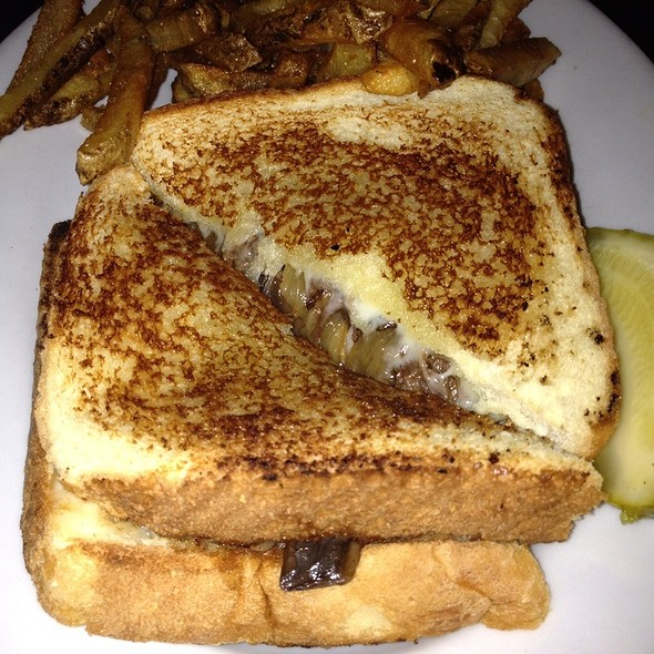 Short Rib Grilled Cheese @ Mason Jar NYC