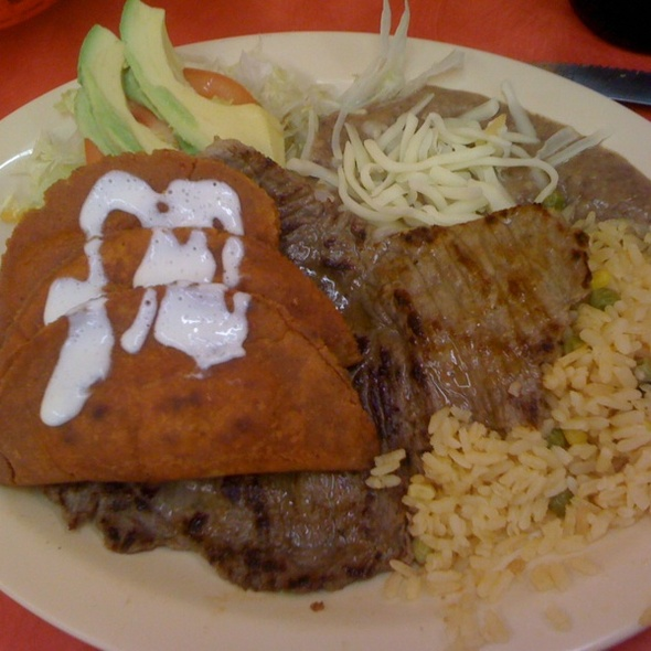 Enchiladas Potosinas @ La Regional