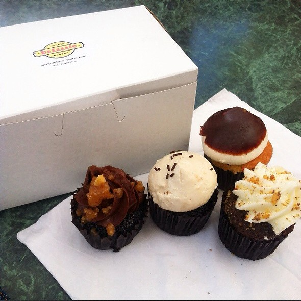 Mini cupcakes @ Delessio Market & Bakery