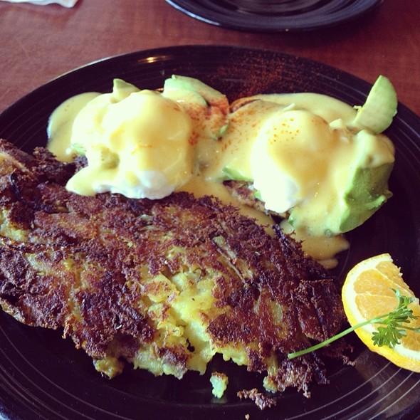 Crabcakes @ Los Gatos Cafe Uptown