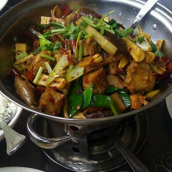 Dry Pot Style Rabbit @ Han Dynasty