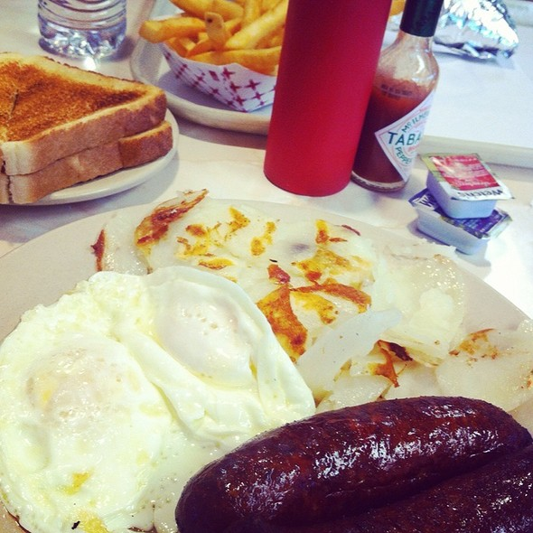 Italian Sausage And Eggs @ Astro Burger