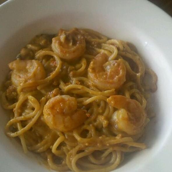 Uni, Crab and Shrimp Pasta @ GonzoGourmands.com