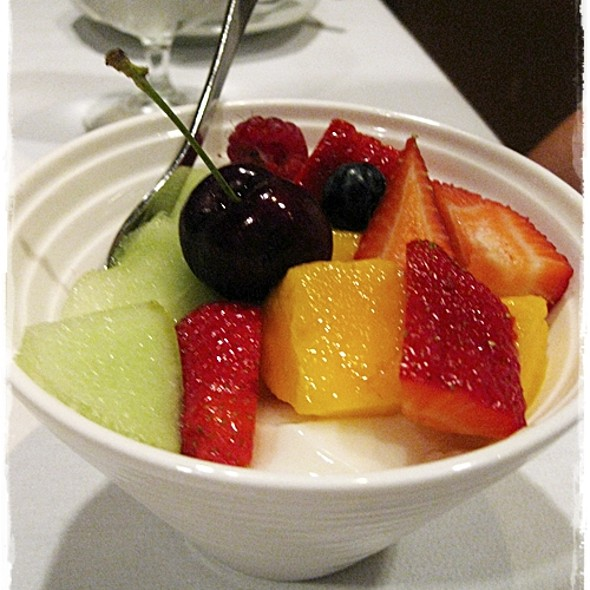 Almond Beancurd with Fruit Salad @ Flower Drum